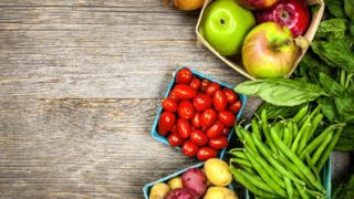 Улучшаем состояние кожи и слизистых: полезные продукты при менопаузе