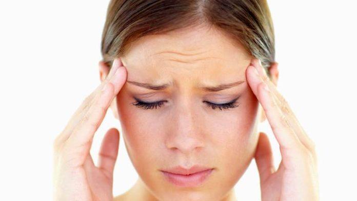 Головные боли при климаксе у женщин: симптомы, лечение