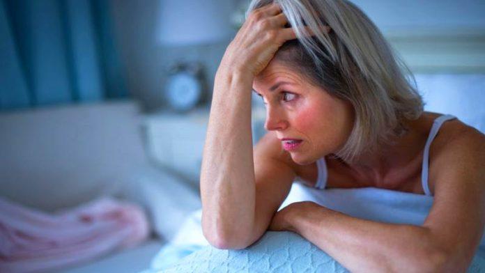 Бессонница при климаксе: что делать, отзывы женщин